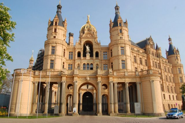 Schwerin castle Germany what to see and do Nemcija