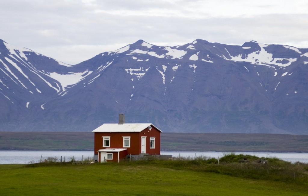 ICELAND (9M)
