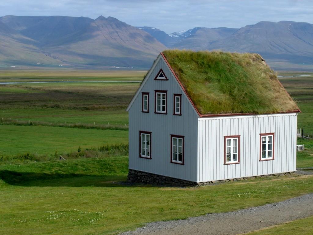 ICELAND (9h)