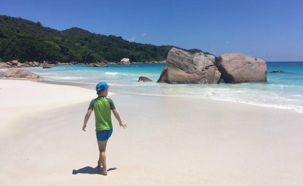 Lu na eni izmed plaž na otoku Praslin