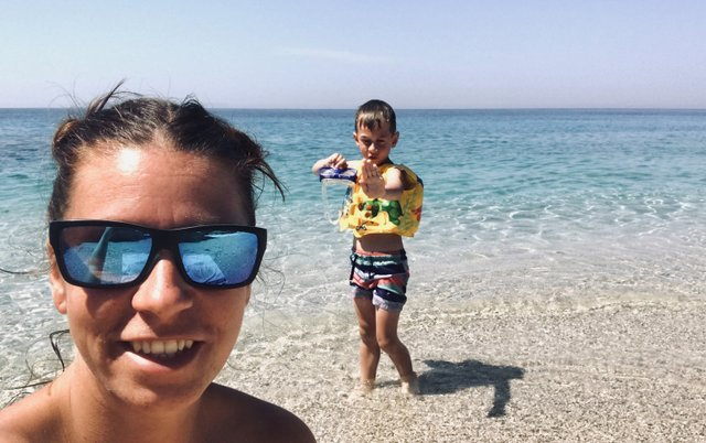 "Ines in Jakob na ""njuni plaži"", Drymades Albanija"