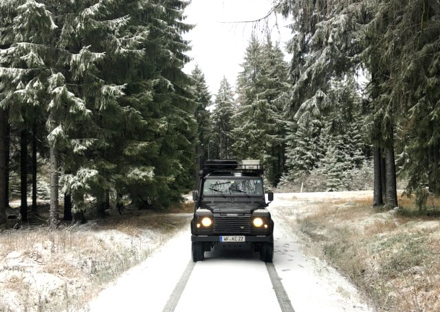 Land rover Defender winter camping Europe