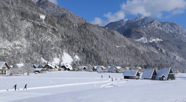 Tek na smučeh cross country skiing tracks Slovenia winter sports zimski športi Slovenija