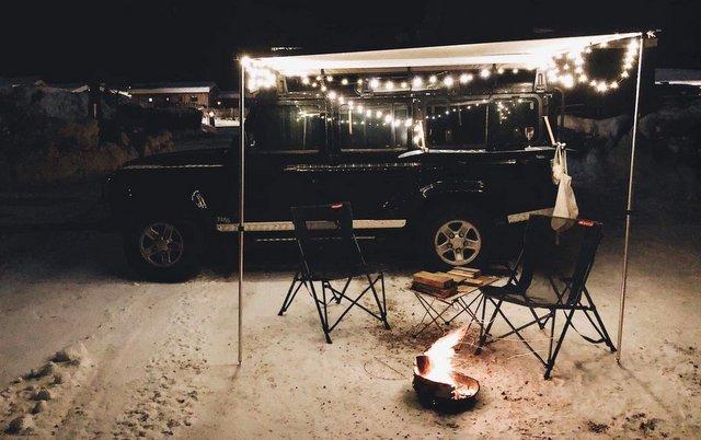 Zimsko kampiranje taborni ogenj Winter cmaping fire vanlife