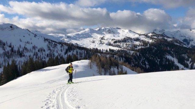 turno smučanje Slovneija zimski gorski športi Slovenia ski touring winter adventures