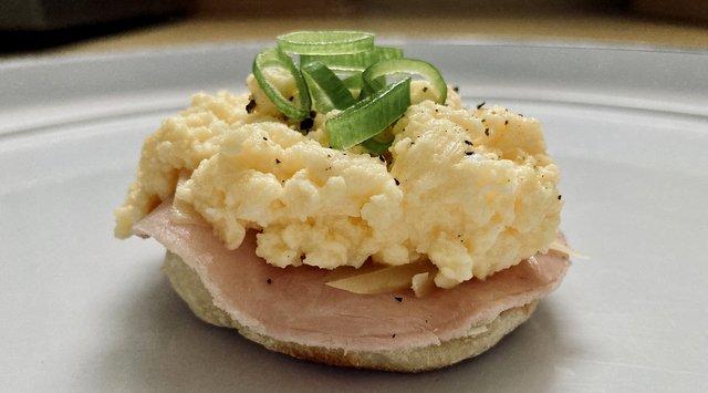 english-muffin-angleški-mafin-zajtrk-recept