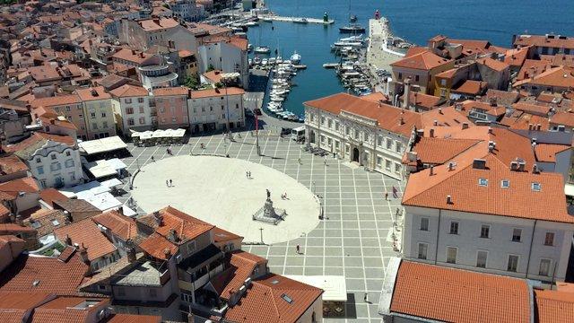 Tartinijev-trg-Piran-Slovenija-obala-izlet-blog-travel